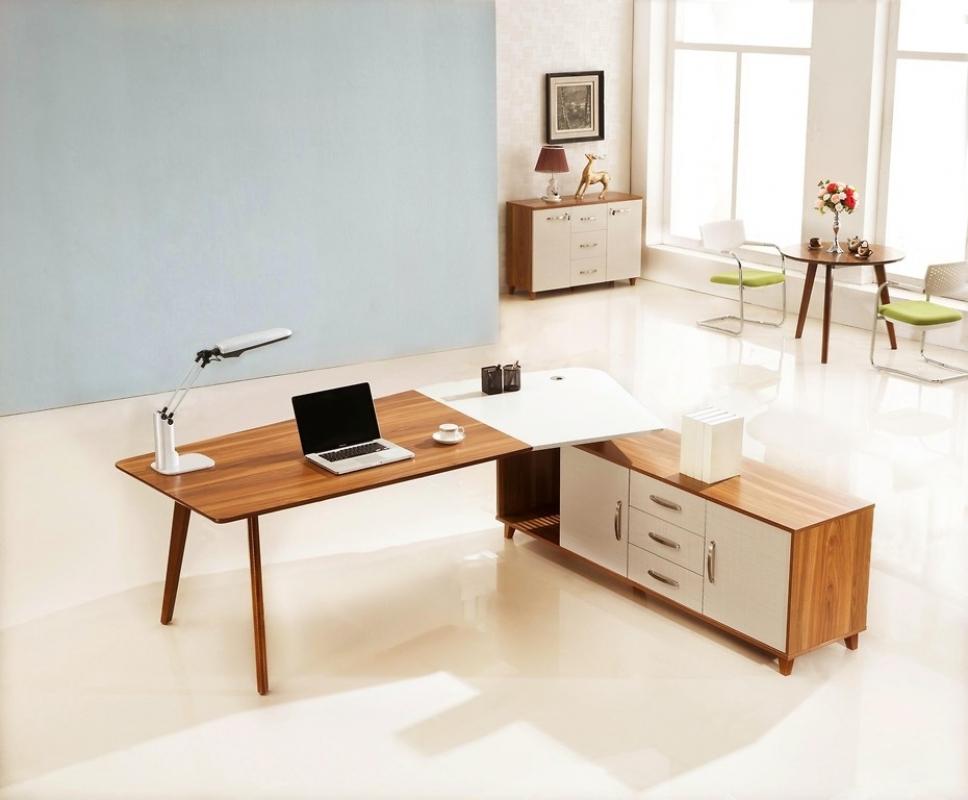 Scrivania moderna da ufficio studio con mobile di servizio for Mobili studio moderno