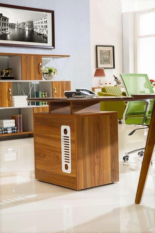 Scrivania moderna da ufficio studio con mobile di servizio - Mobile con scrivania ...