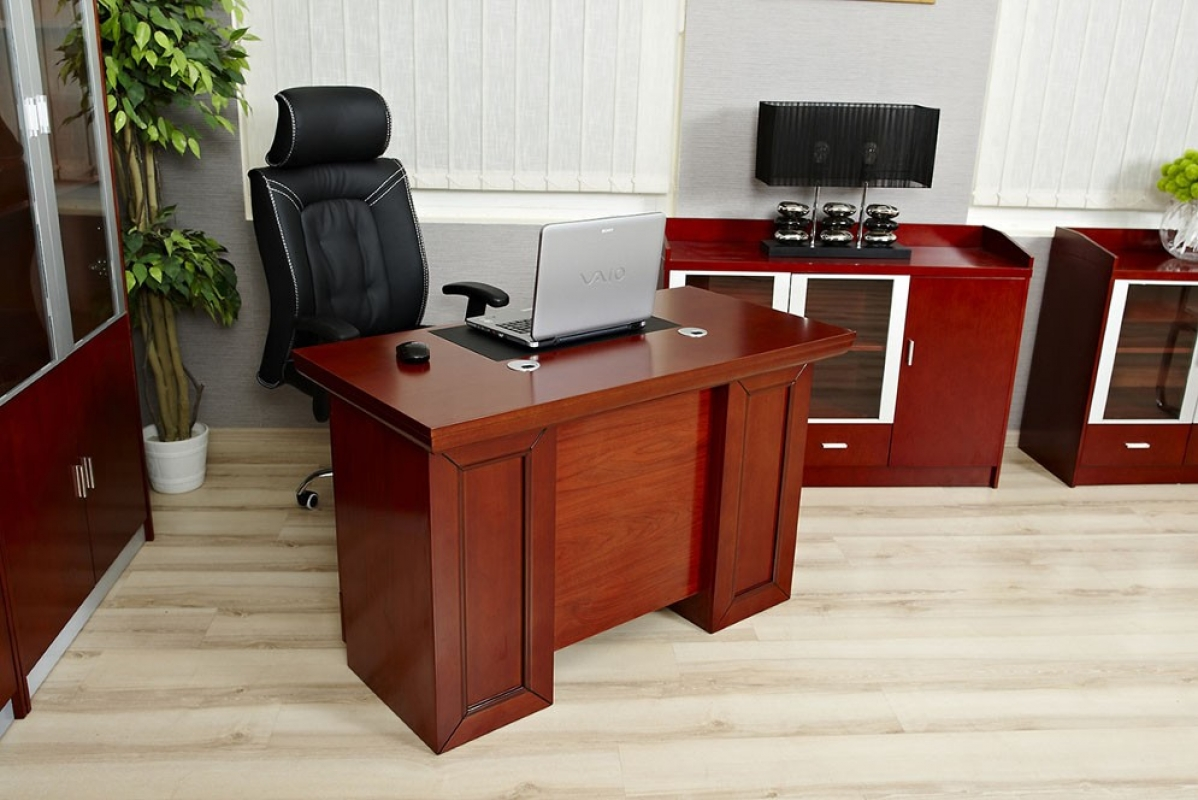 Tavoli da studio phl with tavoli da studio scrivania for Sigma arredamenti