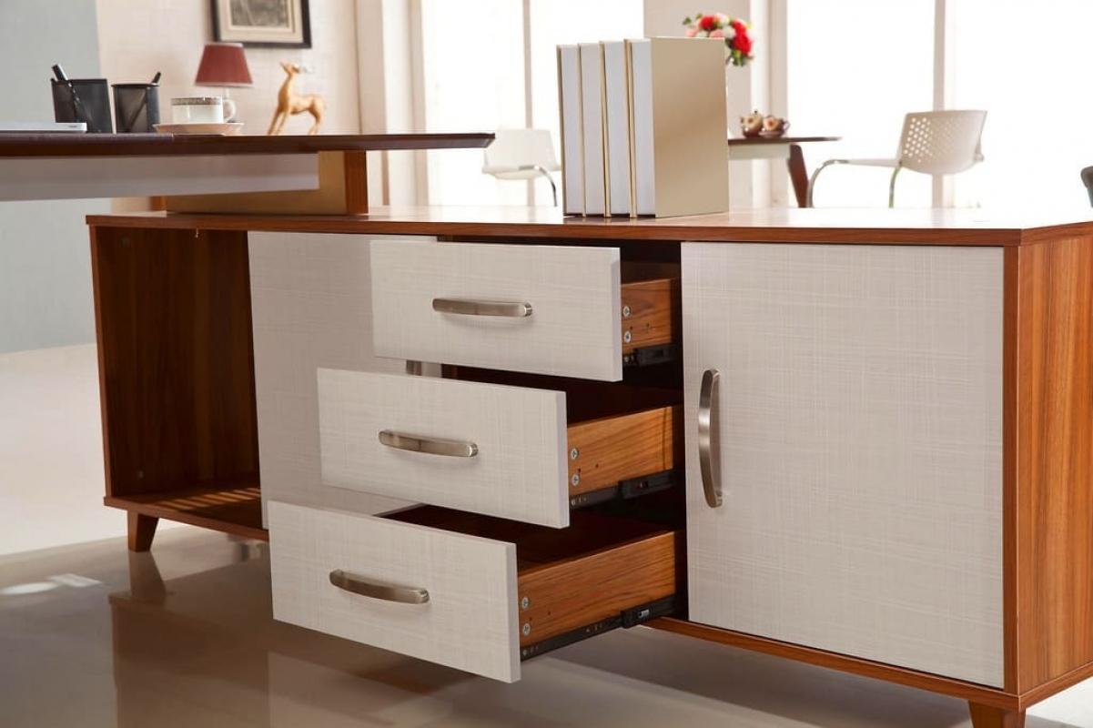 Acquista on line la scrivania moderna con mobile di - Mobile con scrivania ...