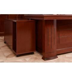 particolare della scrivania classica in legno