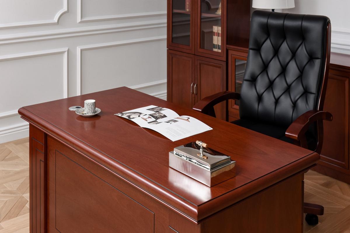 Scrivania in stile classico da ufficio stodio prestige for Mobili ufficio scrivania