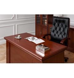 foto scrivania classica con poltrone in pelle e legno