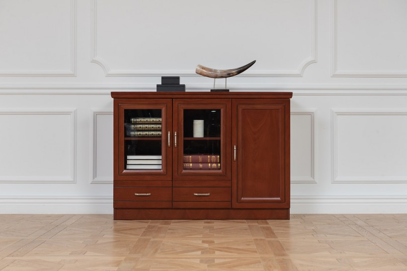 Armadietto basso per ufficio o studio in stile classico a 3 ante PRESTIGE C635A-1