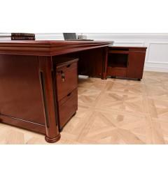 scrivania classica molto spaziosa per gambe