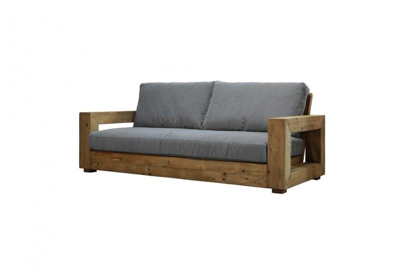 divano tre posti struttura in legno naturale