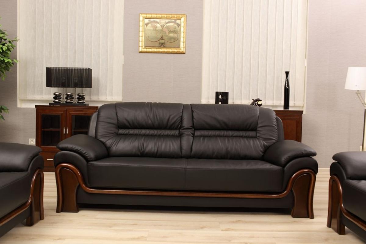 divano 3 posti in pelle con finiture in legno per studi