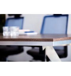 tavolo riunione con sedie