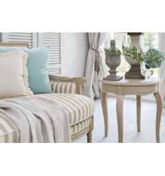 divani in legno con tessuto a righe