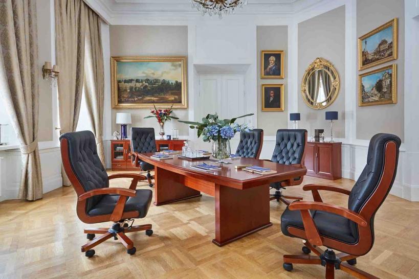 tavoli sala conferenze legno ufficio