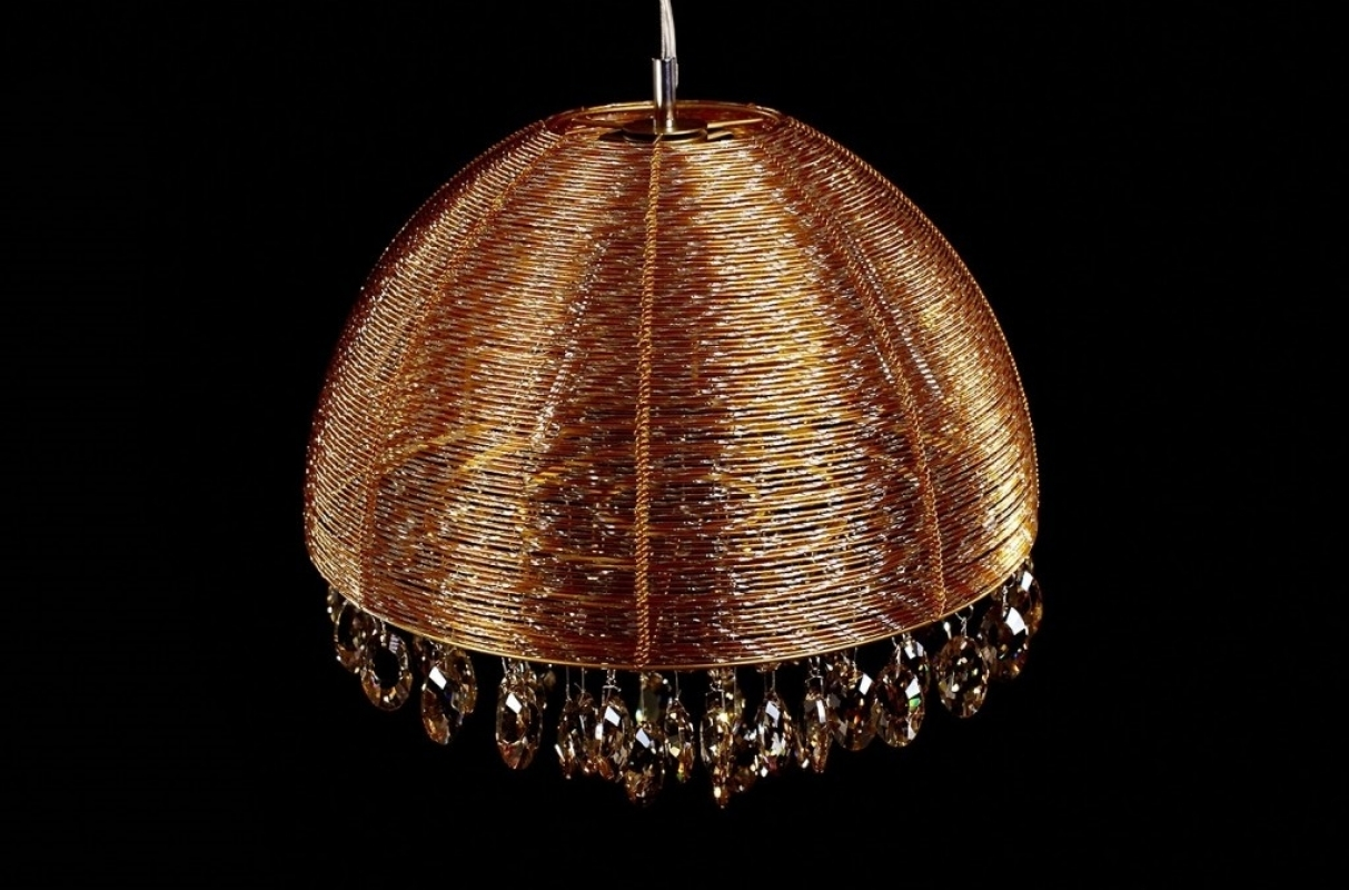 Elegante lampadario a sospensione dorato