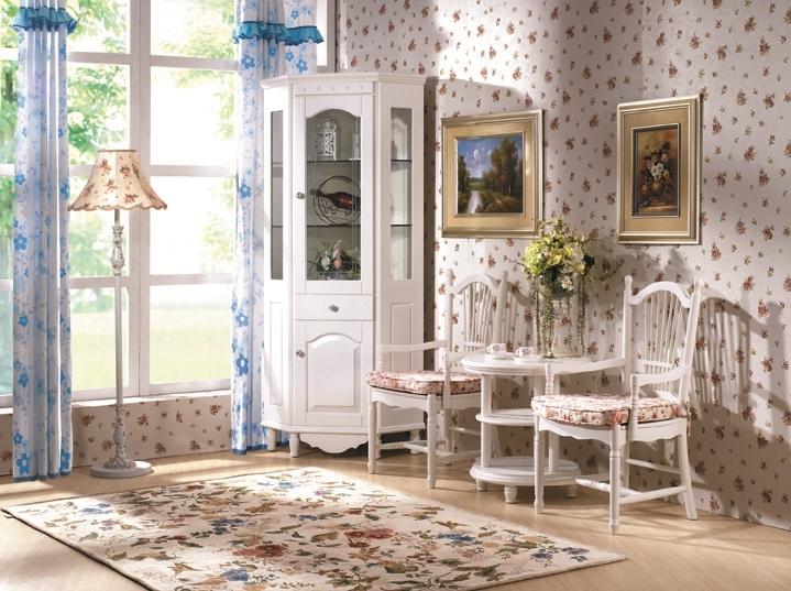 Tavolino rotondo basso con ripiani colore bianco in stile for Tavolino con vetrina