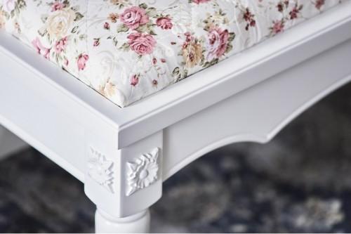 Panca e Pouf per la camera da letto in stile classico