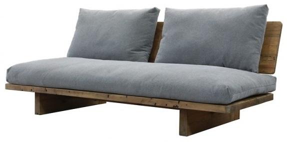 divano in legno da montagna