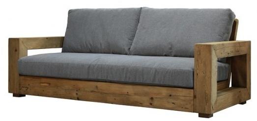 divano in legno tre posti con braccioli