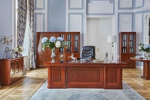 mobili stile classico ufficio