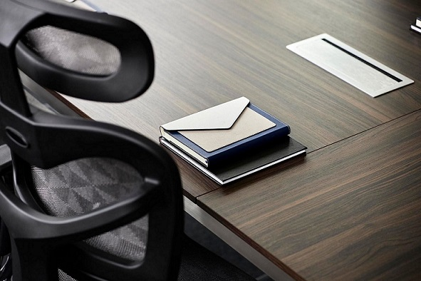 passacavi tavolo ufficio