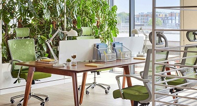 scrivania doppia postazione con sedie
