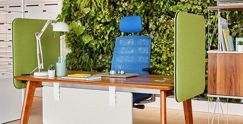 esempio allestimento scrivania per call center