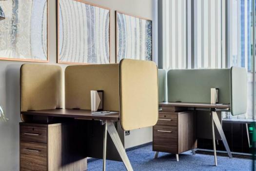 scrivanie per ufficio in legno