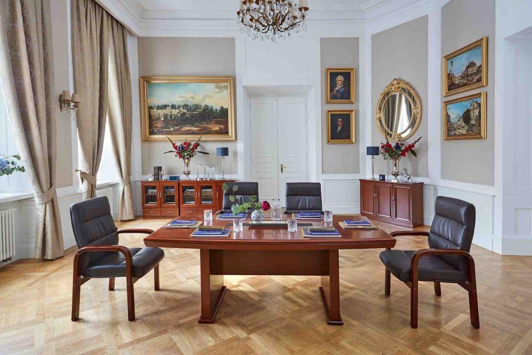 sedie tavolo riunioni